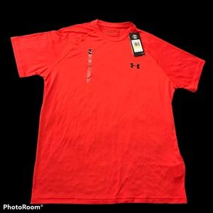 Under Armour Men's Heat Gear Red Loose Red T-Shirt
